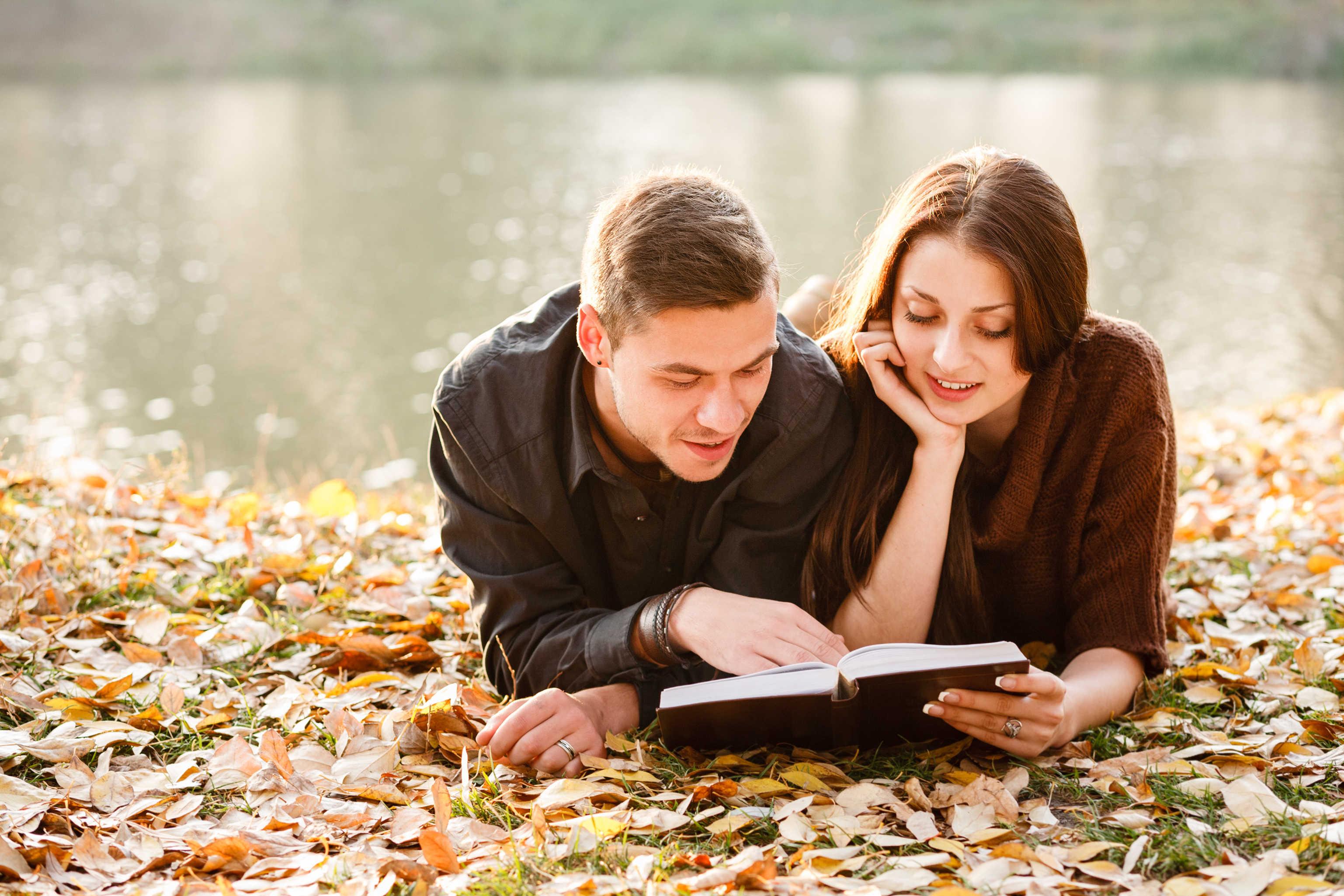 Was sagt die Bibel über das Küssen vor der Ehe?